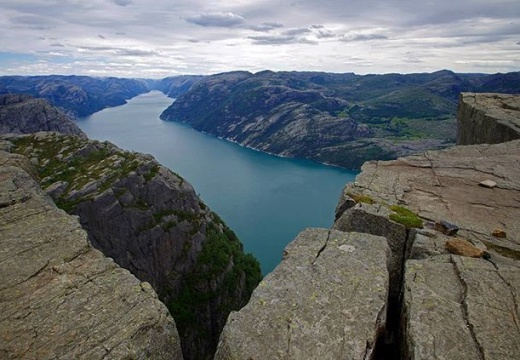 #norway #norge #preikestolen #lysefjord #landscape #mountains #summer #holiday #sky #see #fjord #nature #amazing #travel #hiking #trekking #photography #neverstopexploring #pentaxk30