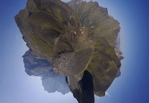 #panoramicphoto #360photography #360panorama #360photo #panoramic #tinyplanet #photosphere #pyrenees #trekking #mountains #pentaxks2