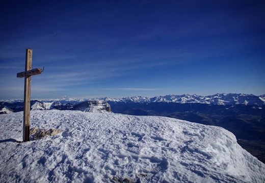 #chamechaude #charteuse #coldeporte #rhonealpes #montagnes #mountains #hiking  #snow #pentaxks2 #neverstopexploring
